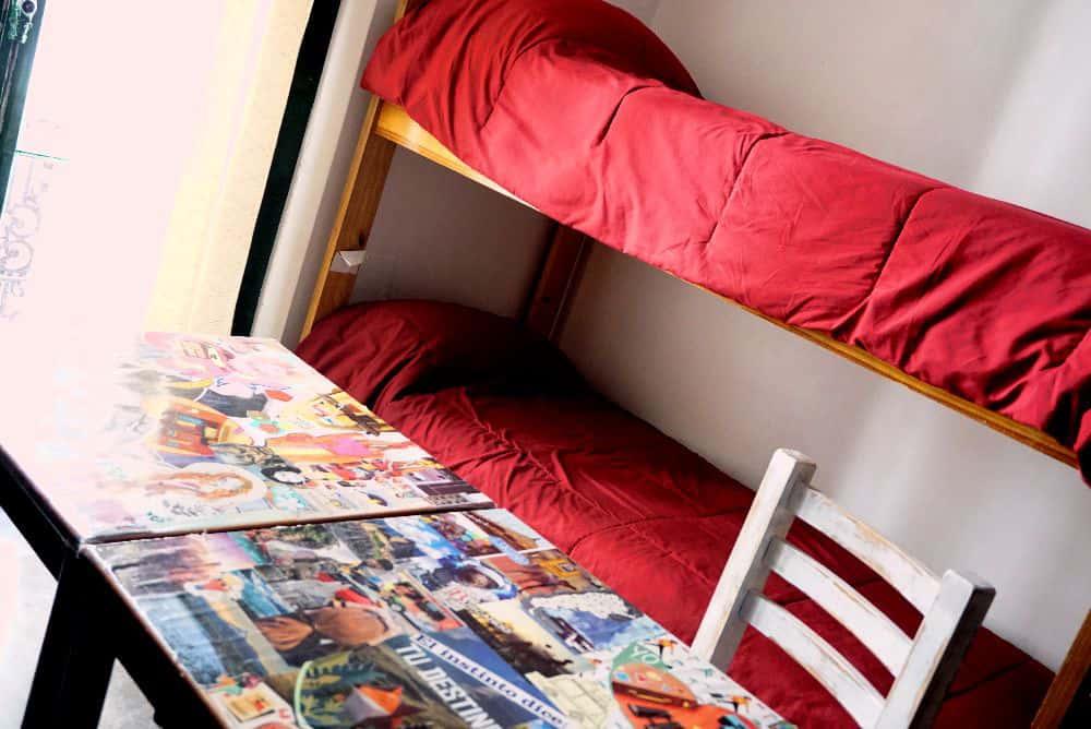Dormitorio mixto<br />con<br />8 camas