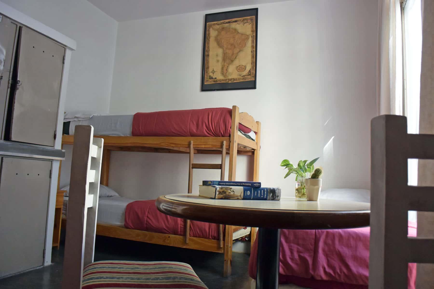 Dormitorio mixto<br />con<br />6 camas